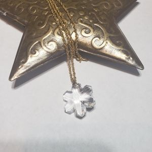 Clear Snowflake Crystal Necklace!!!!